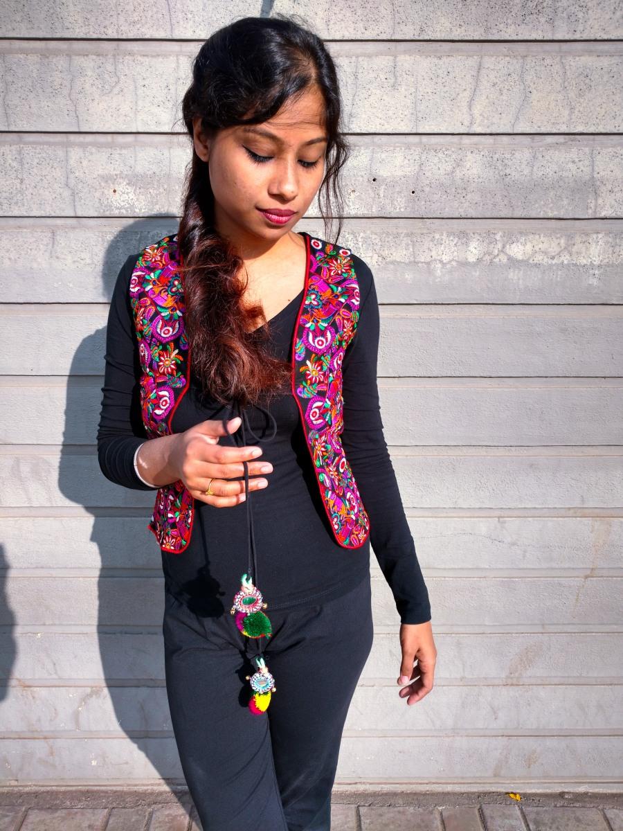 Ethnic Street Style for petite girls - Dainty Street