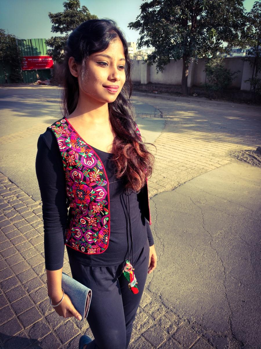 Ethnic jacket and tee shirt style - Dainty Street