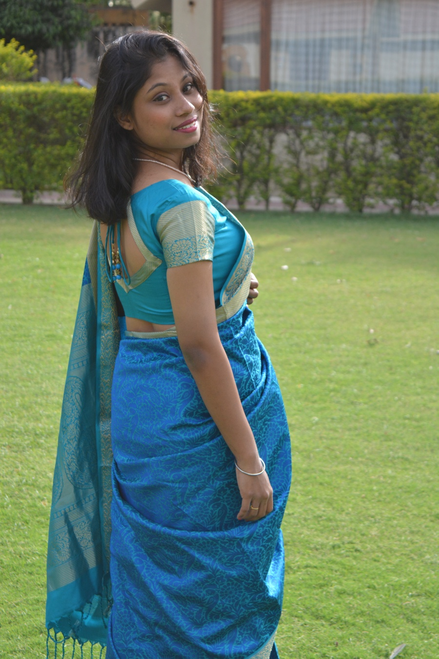 Ethnic Street Style in Saree